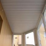 Отделка потолка пластиковыми панелями – раскрываем все нюансы материала